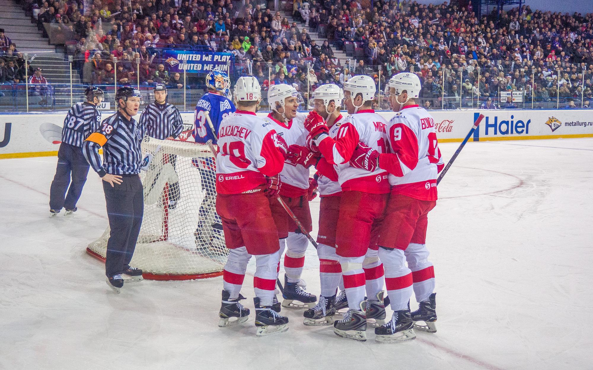 НижегородскийХК «Торпедо» уступил магнитогорскому «Металлургу» всложнейшем матче начужом льду